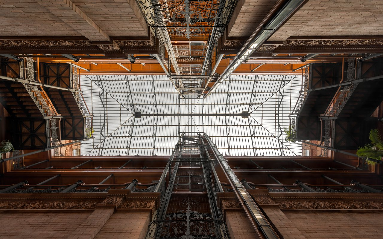 AWAYN IMAGE Visit the Bradbury Building