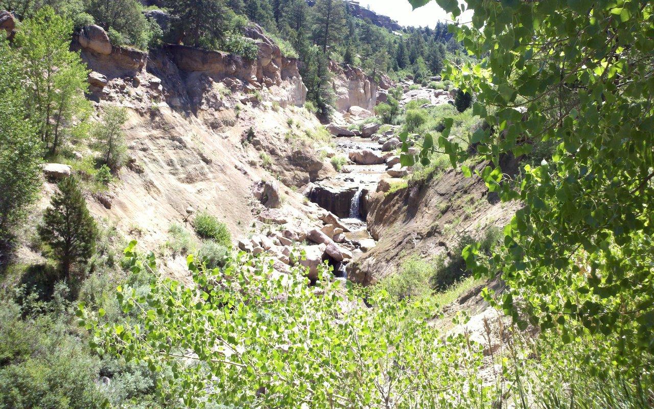 AWAYN IMAGE Hike Castlewood Canyon