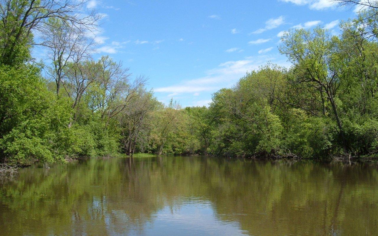 AWAYN IMAGE Explore Des Plaines River