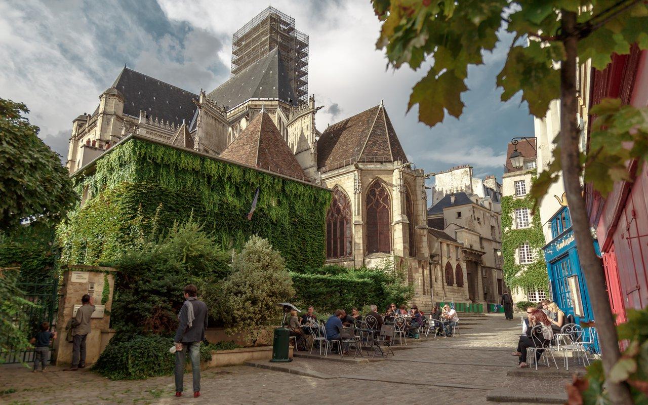AWAYN IMAGE Visit Rue des Barres