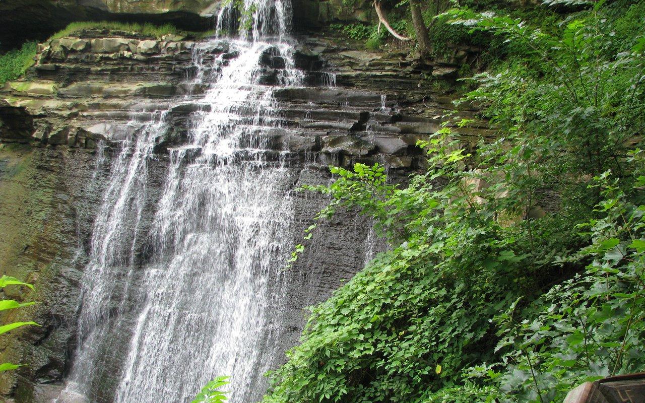 AWAYN IMAGE Explore the Brandywine Falls
