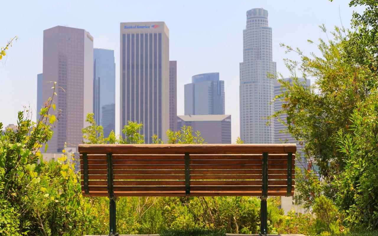 AWAYN IMAGE Get a view of LA at Vista Hermosa Natural Park