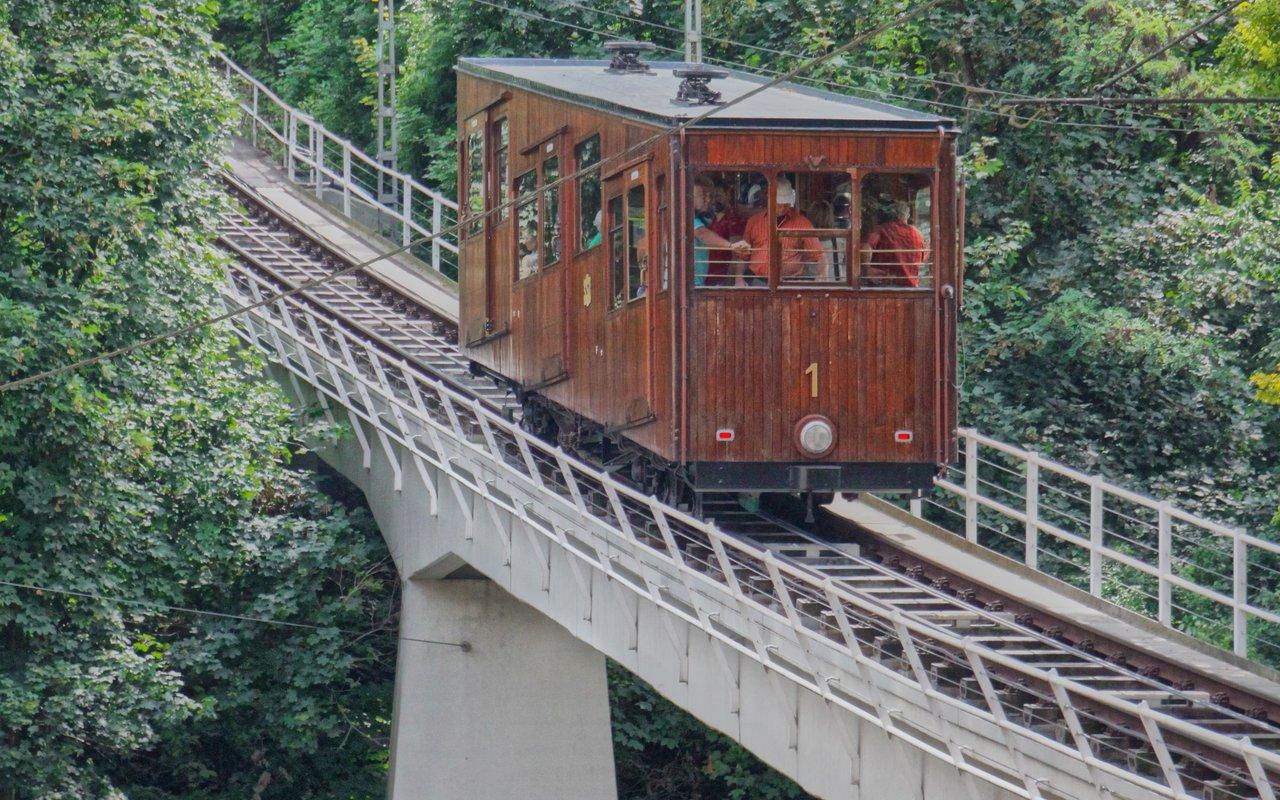 AWAYN IMAGE Standseilbahn Stuttgart Cablecar