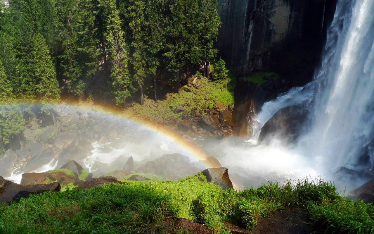 AWAYN IMAGE Nevada Falls via the Mist Trail