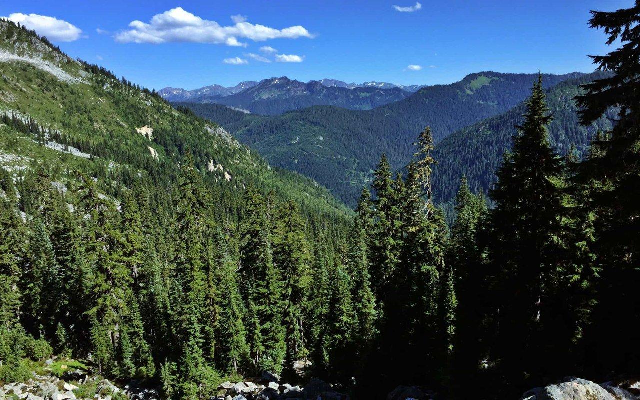 AWAYN IMAGE Lake Valhalla Trail