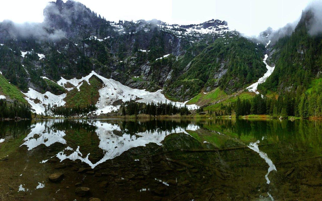 AWAYN IMAGE Heather Lake Trail Hike