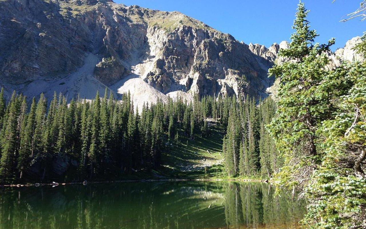 AWAYN IMAGE Hike in Trampas Lakes Trails
