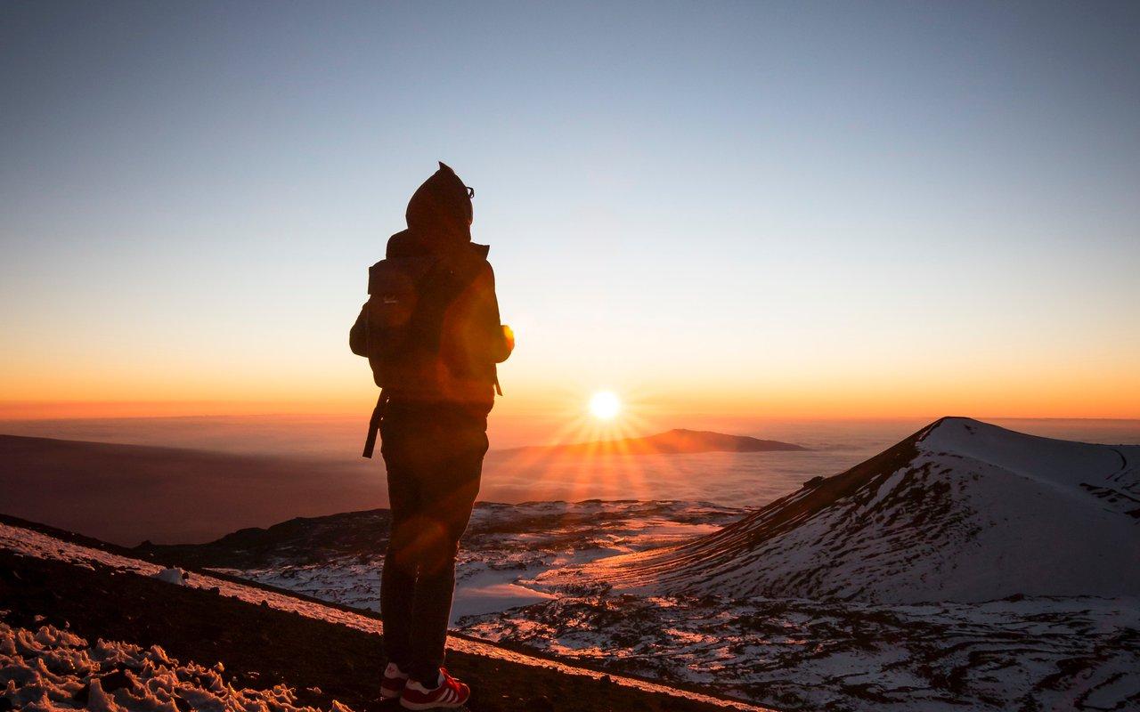 AWAYN IMAGE Mauna Kea early morning