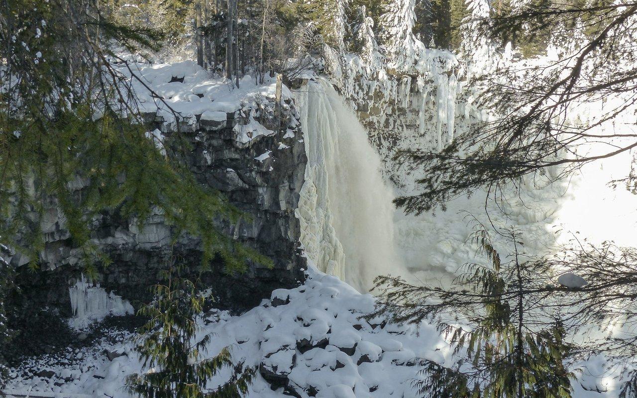 AWAYN IMAGE Canim Falls Photography