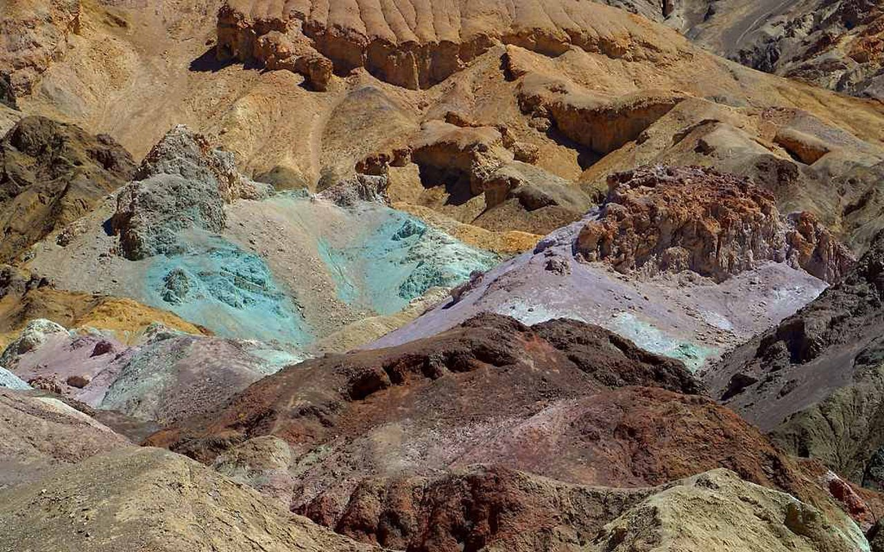 AWAYN IMAGE Death Valley Zabriskie Point