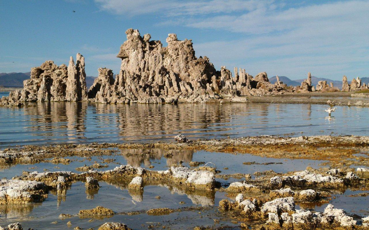 AWAYN IMAGE Mono Lake