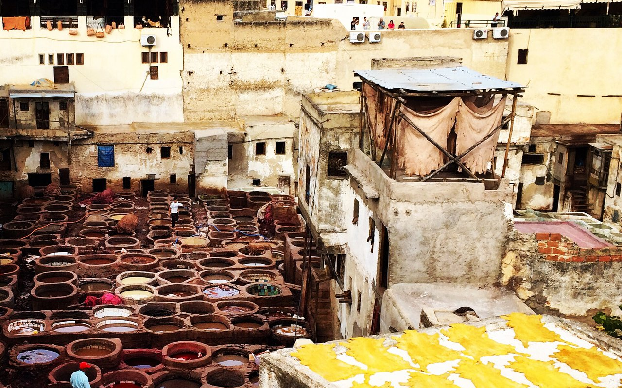 AWAYN IMAGE CURTUME Chouara Fez leather bazaar