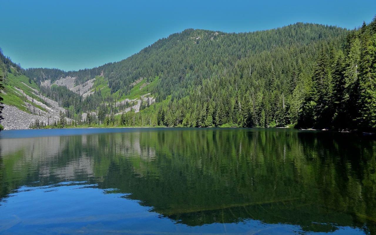AWAYN IMAGE Talapus Lake Hike & Fishing