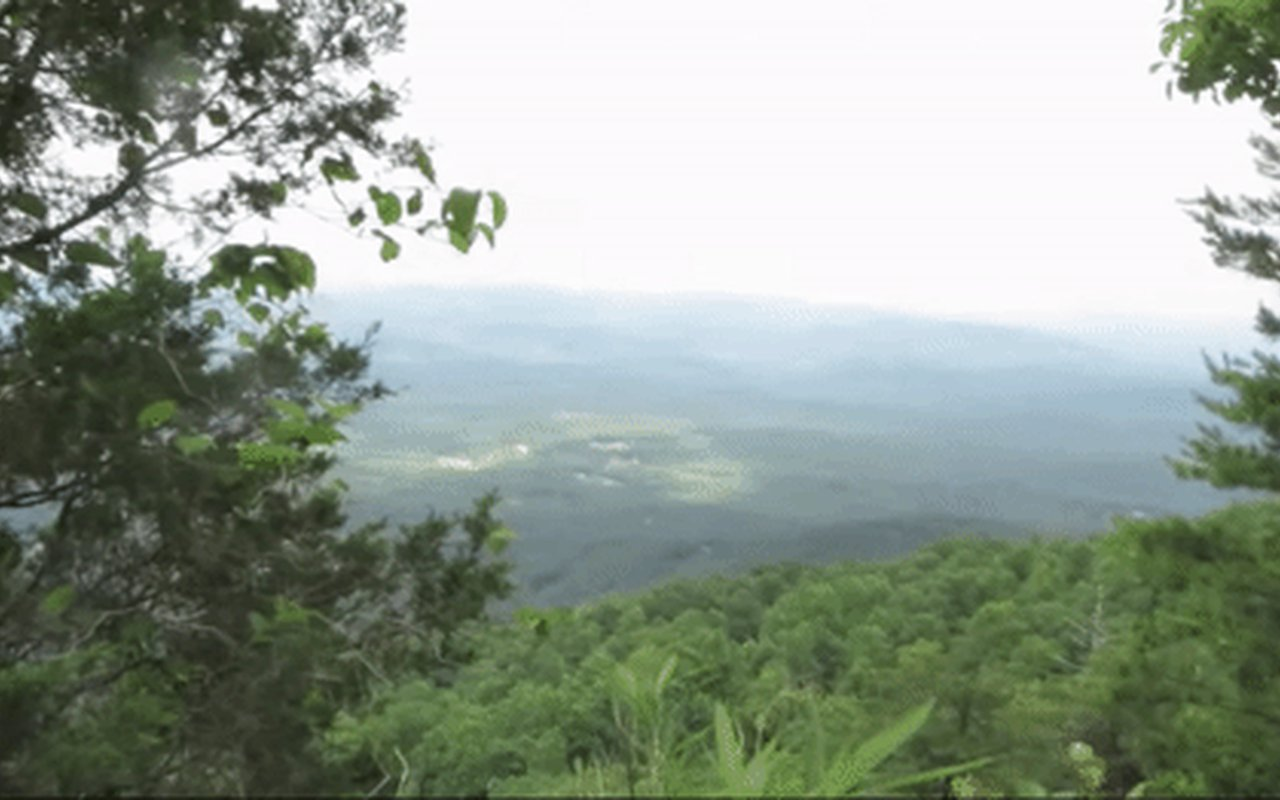 AWAYN IMAGE Mount Yonah Trail in Cleveland, Georgia