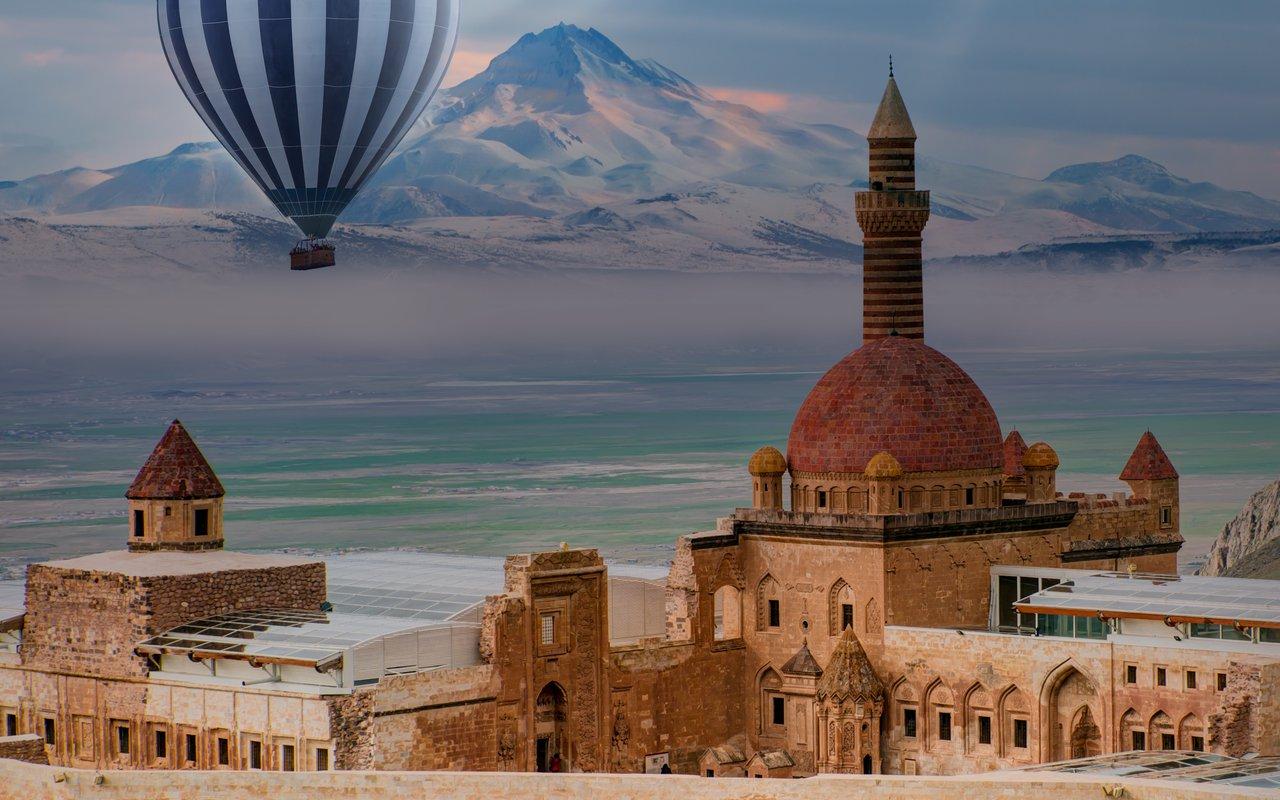 AWAYN IMAGE Visit Village of Ishak Pasha