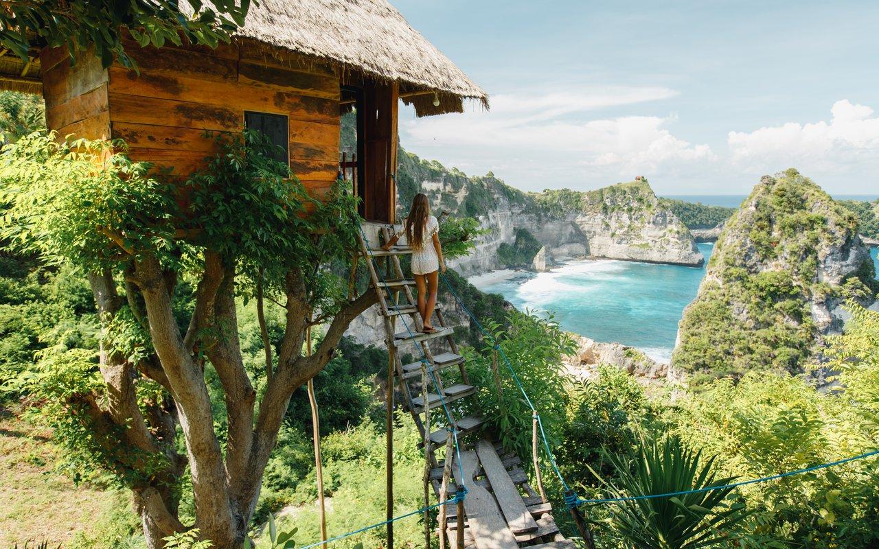 AWAYN IMAGE Get a view of Atuh Beach (Pantai Atuh)