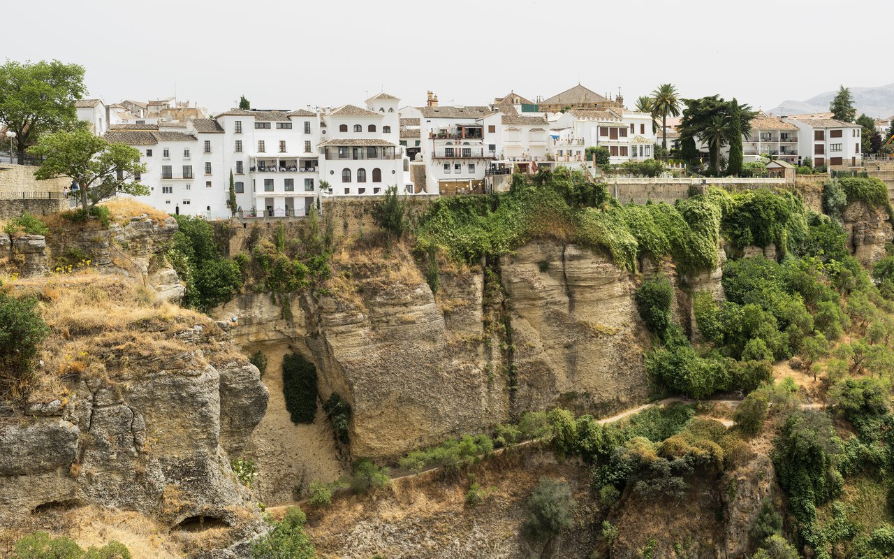 AWAYN IMAGE The Puente Viejo (Old Bridge) in Ronda