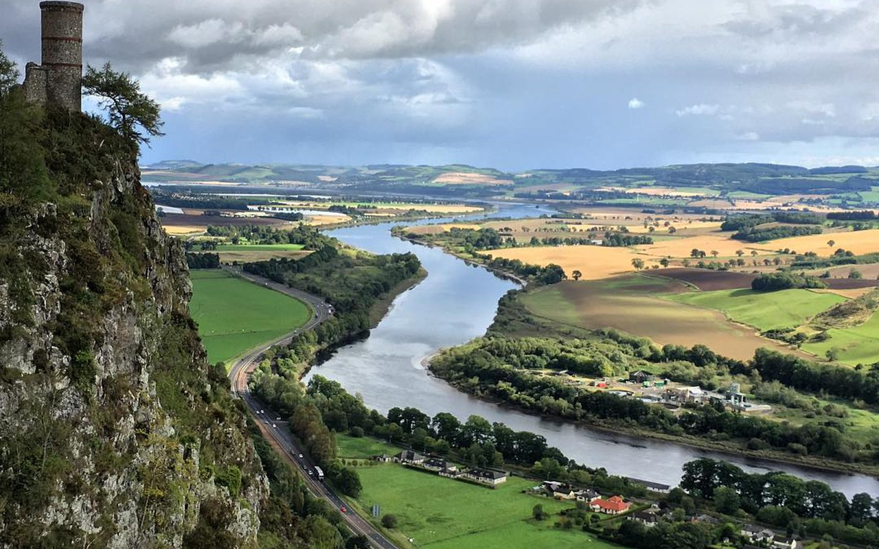 AWAYN IMAGE Hike to Kinnoull Hill, Perth