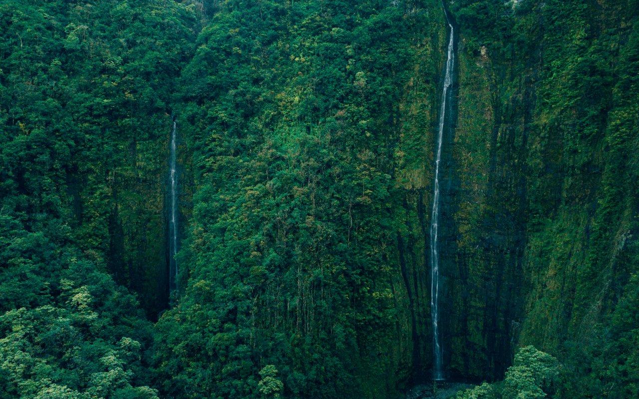 AWAYN IMAGE Secret Spots of Maui
