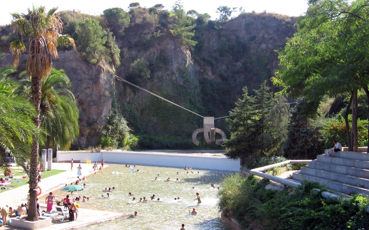 AWAYN IMAGE Swim in Parque de la Creueta del Coll