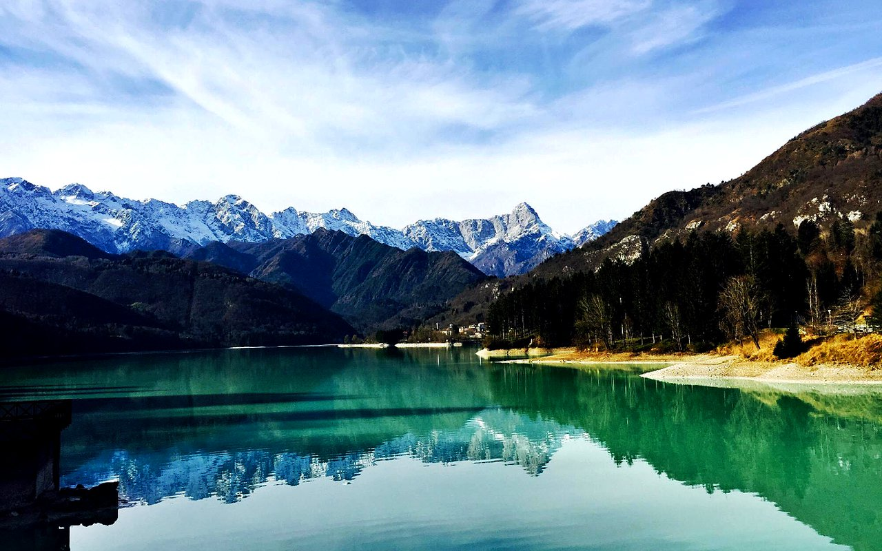 AWAYN IMAGE Hike to Lago di Barcis