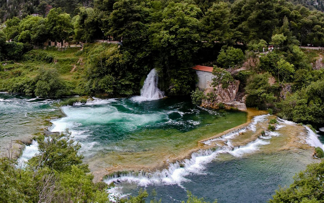 AWAYN IMAGE Hike to Roški slap Waterfall