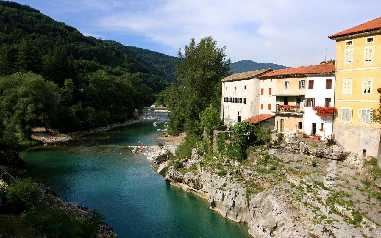 AWAYN IMAGE Hike to Soca Valley, Slovenia