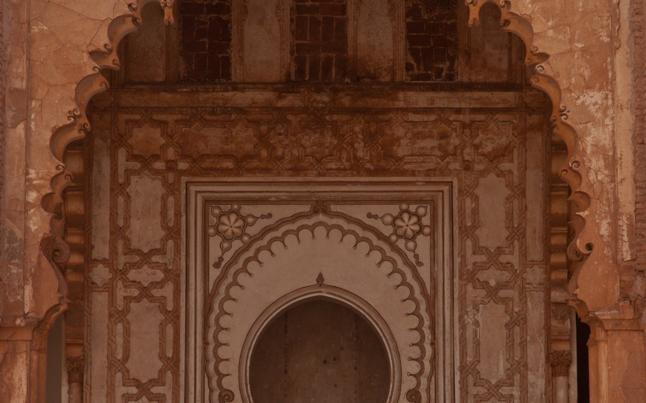 AWAYN IMAGE Stroll around the majestic Tinmel Mosque