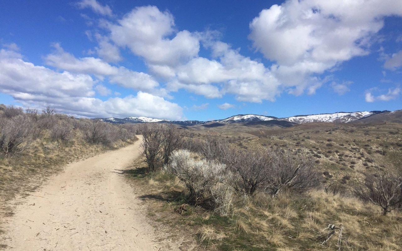 AWAYN IMAGE Red Cliffs Nature Center Trail