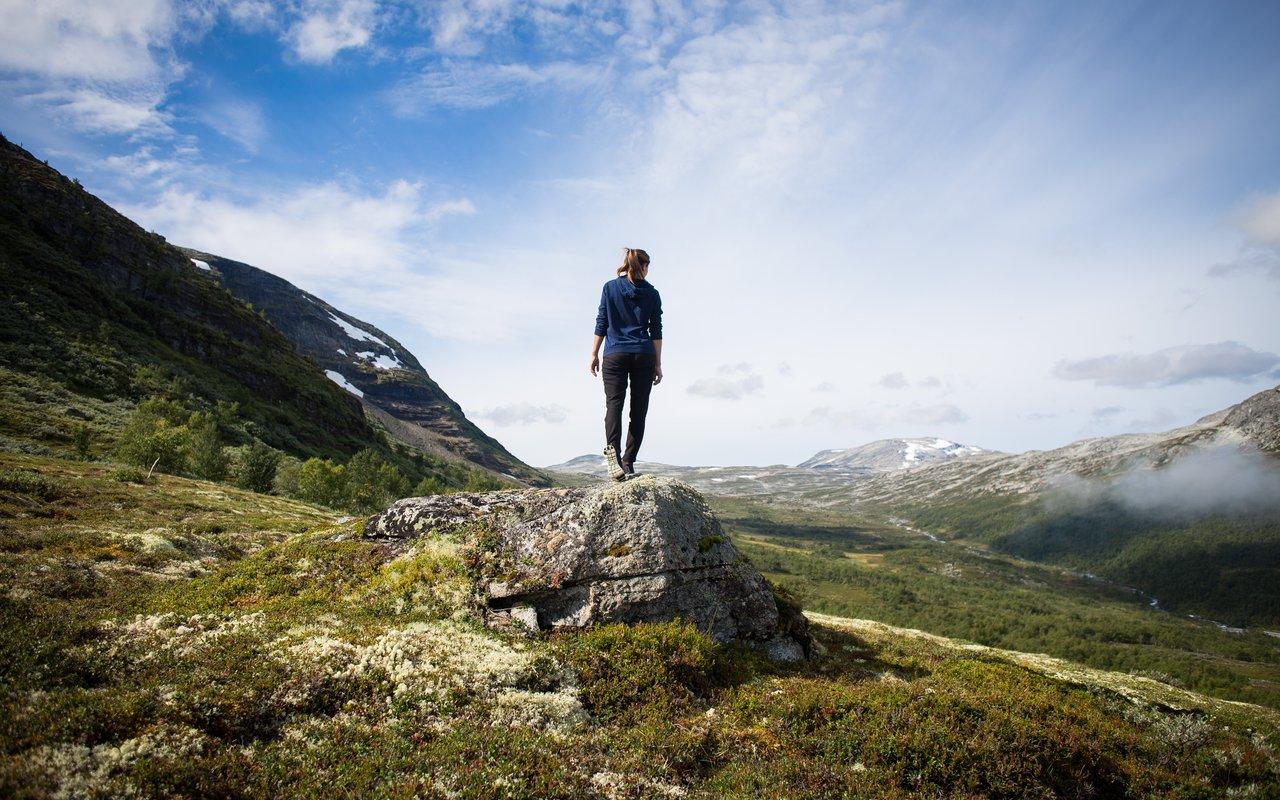 AWAYN IMAGE Climb to Ryten Mountain
