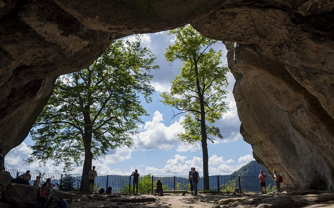 AWAYN IMAGE Backpack to Saxon Switzerland National Park
