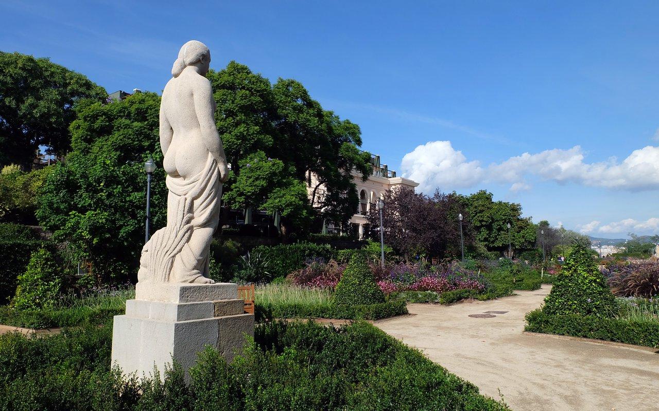 AWAYN IMAGE Photo-up at Parque del Mirador del Poble-Sec