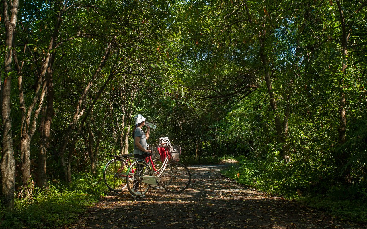 AWAYN IMAGE Bike around Sri Nakhon Khuean Khan Park
