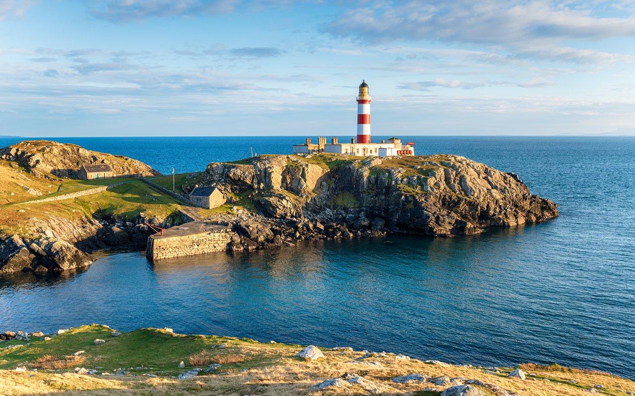 AWAYN IMAGE Eilean Glas Lighthouse