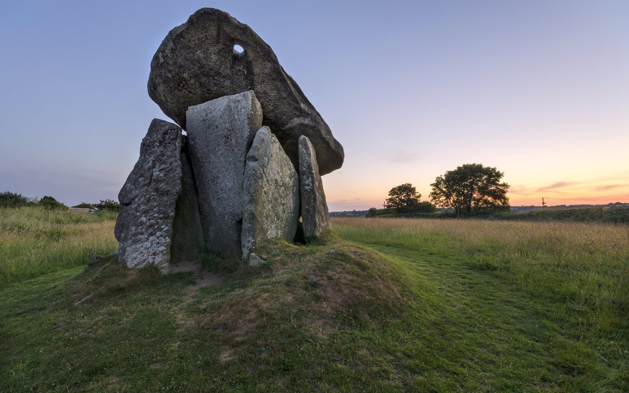 AWAYN IMAGE hurlers stone circle