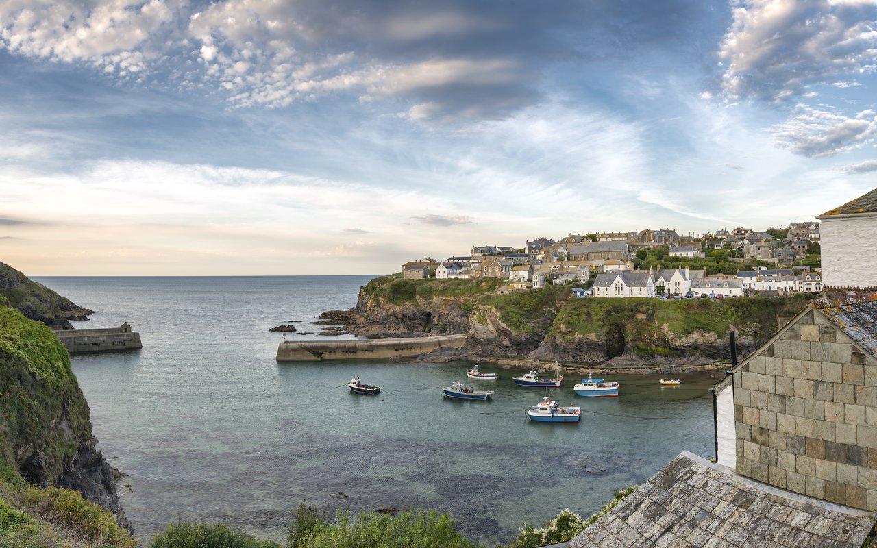 AWAYN IMAGE Port Isaac in Cornwall