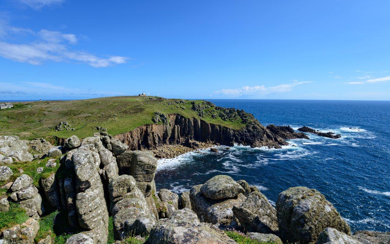 AWAYN IMAGE Hike Porthcurno, Porthgwarra and Gwennap Head