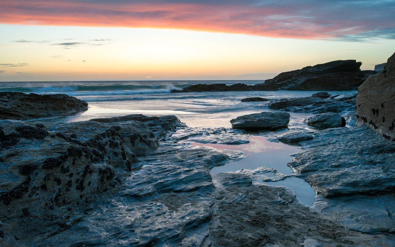 AWAYN IMAGE Trebarwith Beach
