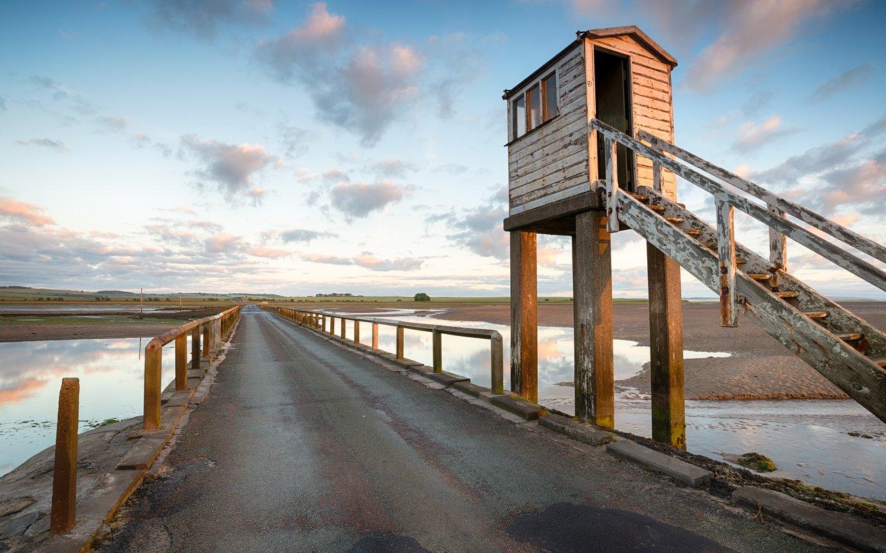 AWAYN IMAGE Lindisfarne Causeway