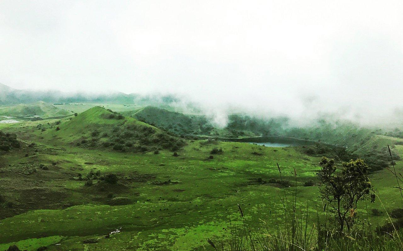AWAYN IMAGE Mount Manengouba Hike
