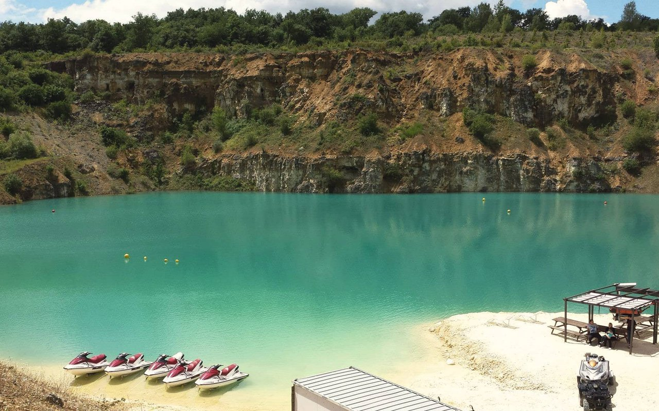 AWAYN IMAGE Scuba@Blue Water Quarry