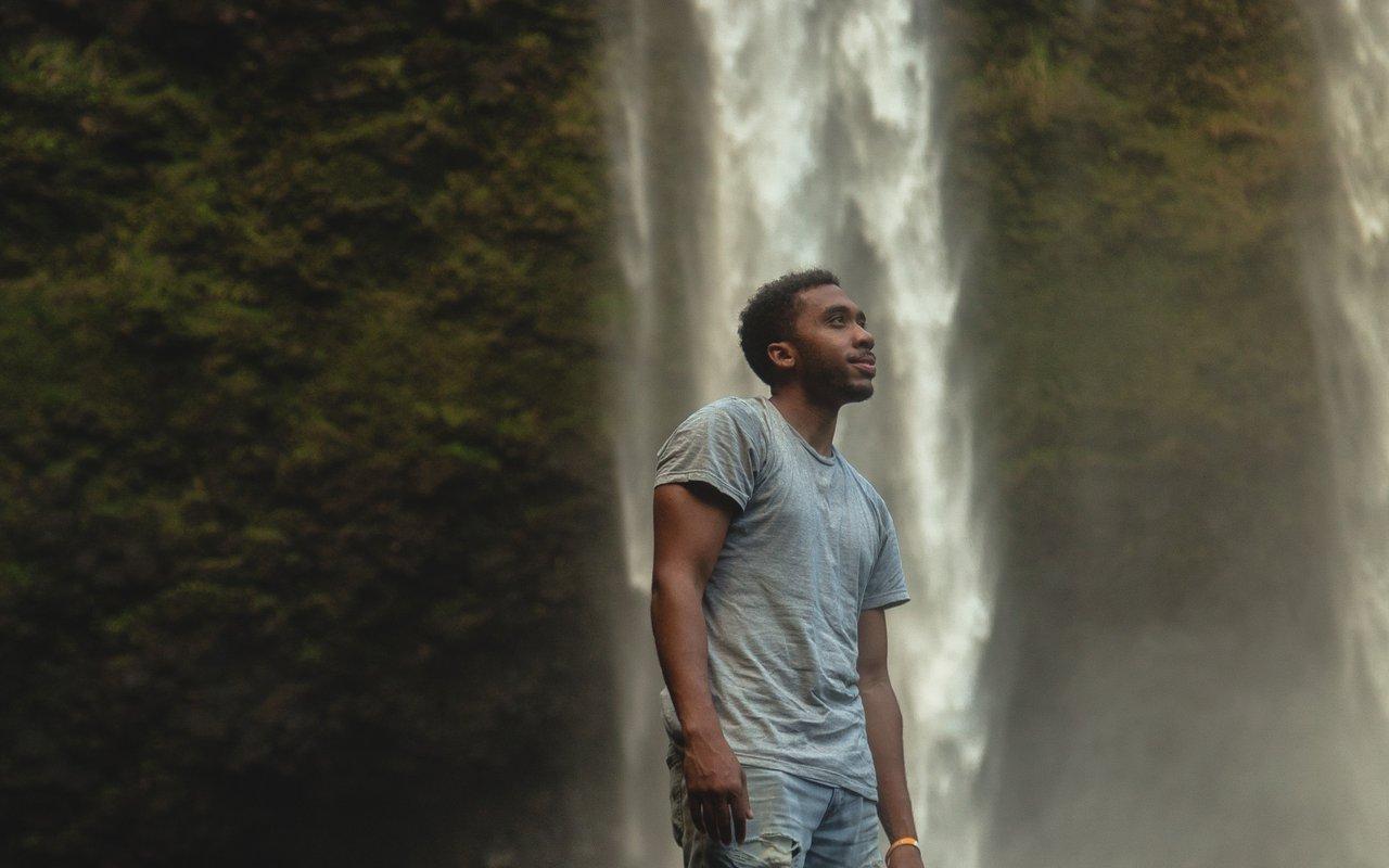 AWAYN IMAGE Wailua Falls