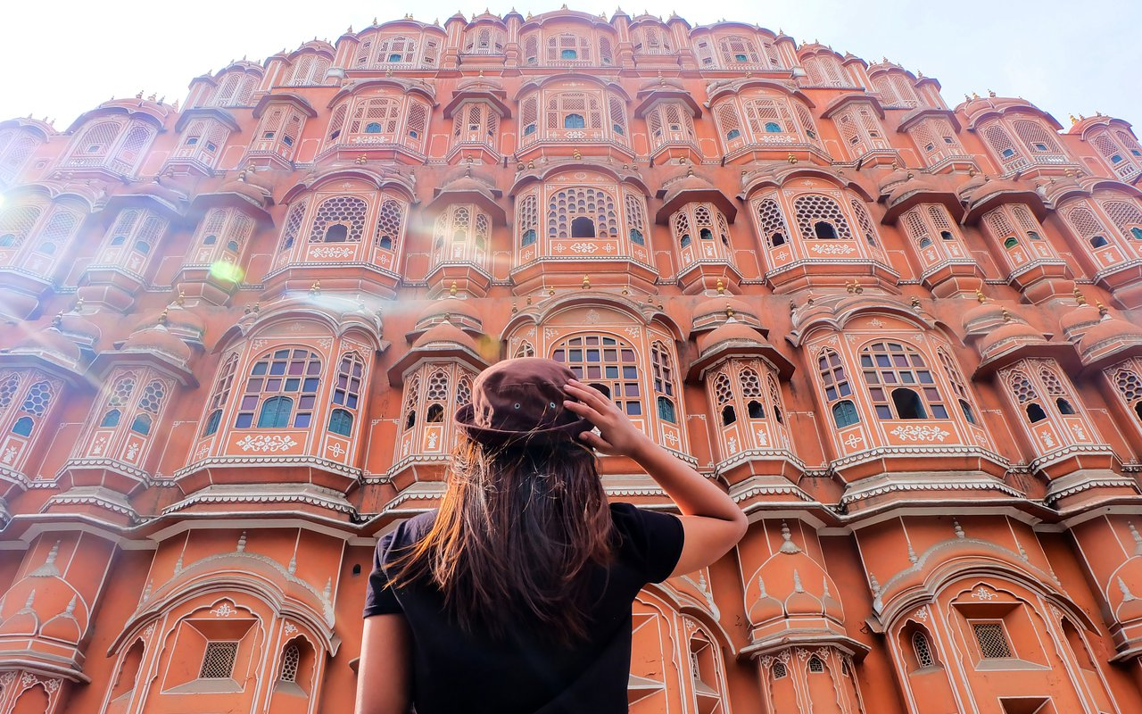 AWAYN IMAGE Visit the Hawa Mahal