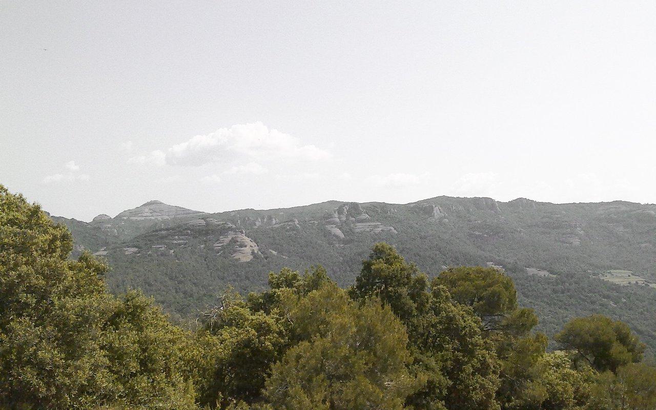AWAYN IMAGE hiking Trip to sant llorenc del munt