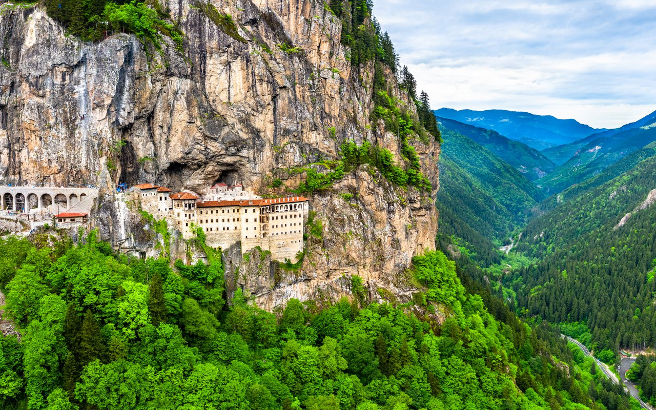AWAYN IMAGE Hike among the evergreen forests of Sumela Monastery