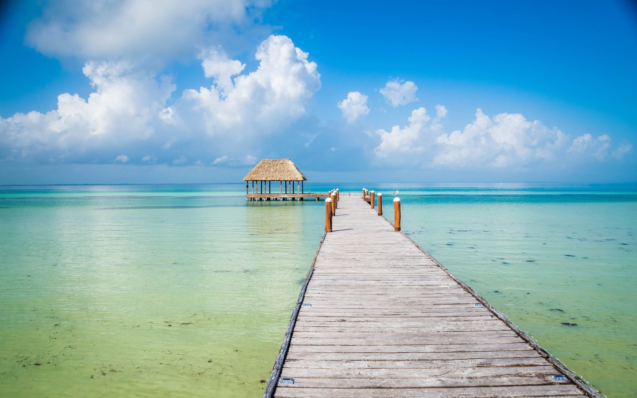 AWAYN IMAGE Visit the Holbox Island