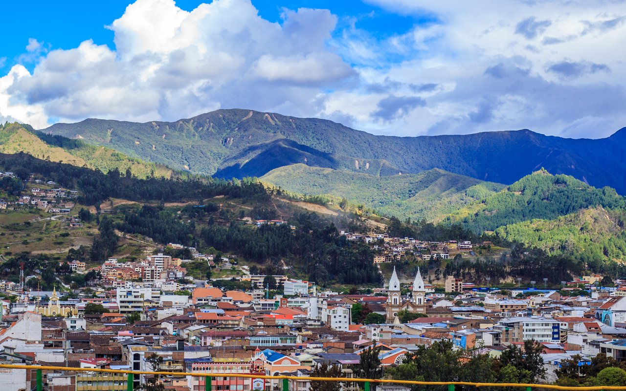 AWAYN IMAGE Explore the small town of Vilcabamba