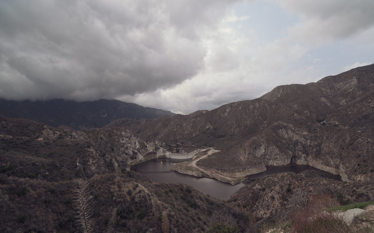 AWAYN IMAGE Hiking Around Big Tujunga Dam