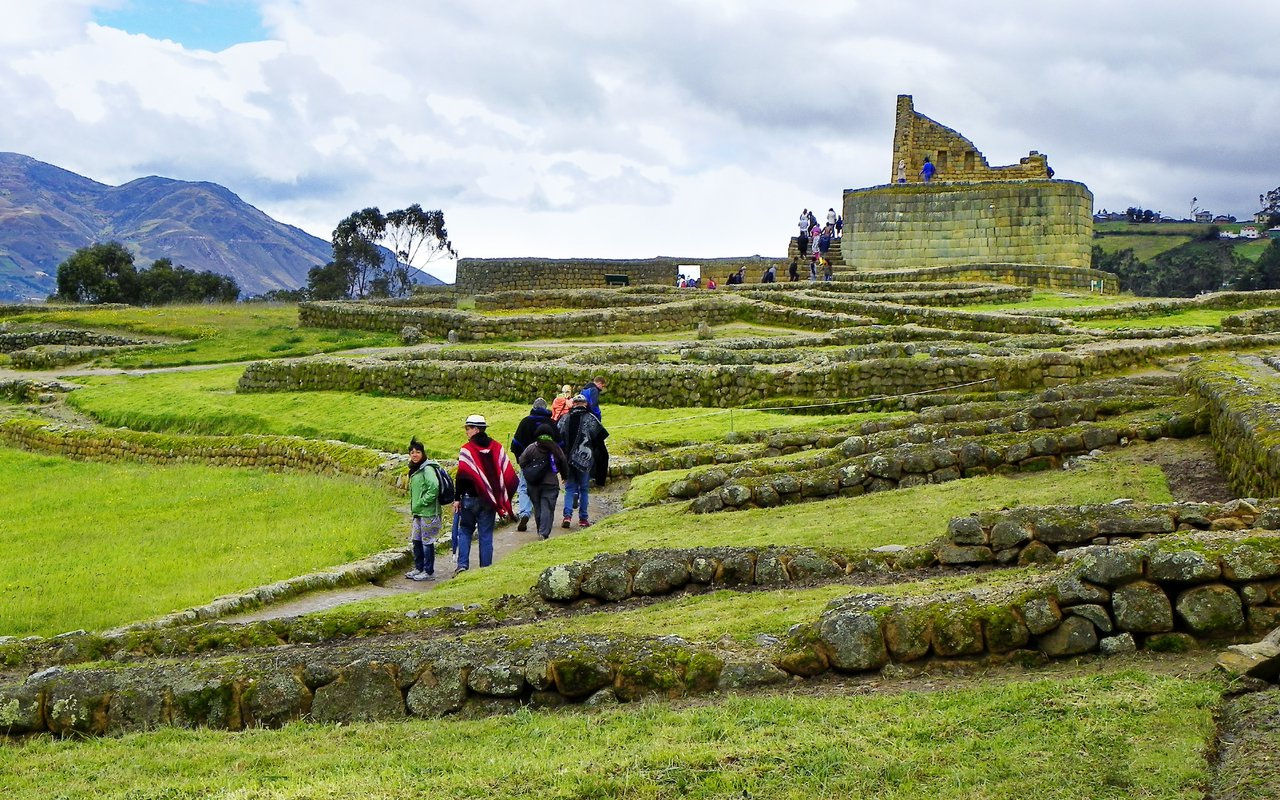 AWAYN IMAGE Explore Ingapirca ruins