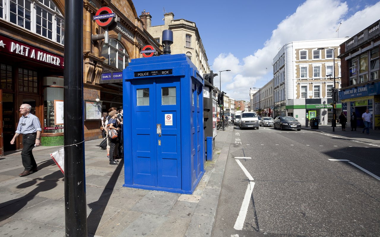 AWAYN IMAGE Time Travel with Earl's Court Police Box